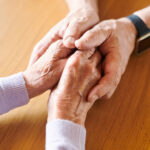 Die erste helfende und tröstende Hand…Warum Bestatter kein Tabuthema sein sollten